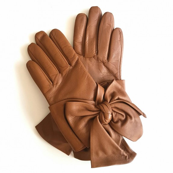 "Leather gloves of lamb biscuit ""PALOMA""."