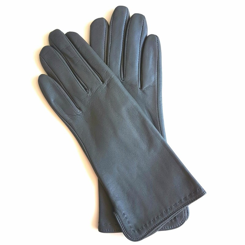 gants en cuir d 39 agneau gris violette doubl s en soie. Black Bedroom Furniture Sets. Home Design Ideas