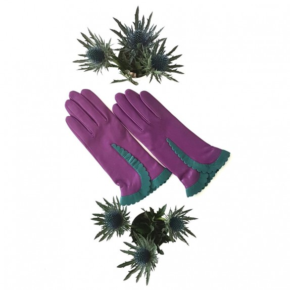 """Leather gloves of lamb améthyst and green """"CASSIA""""."""