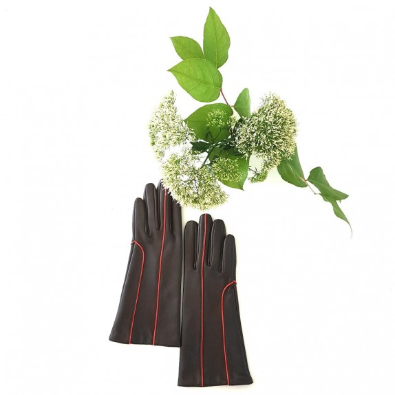 "Leather gloves of lamb brown and orange ""AÏNA""."