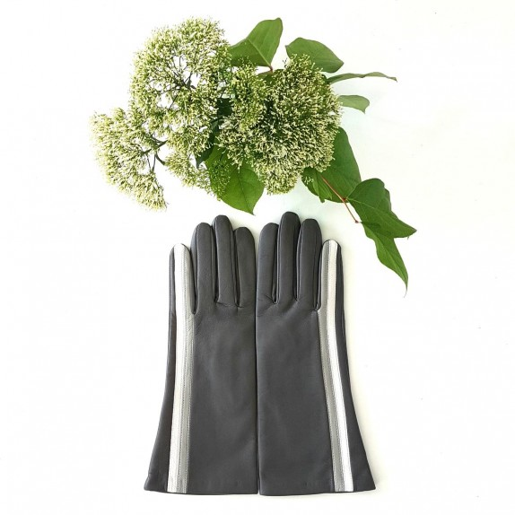 "Leather gloves of lamb grey and white ""GABRIELLE""."