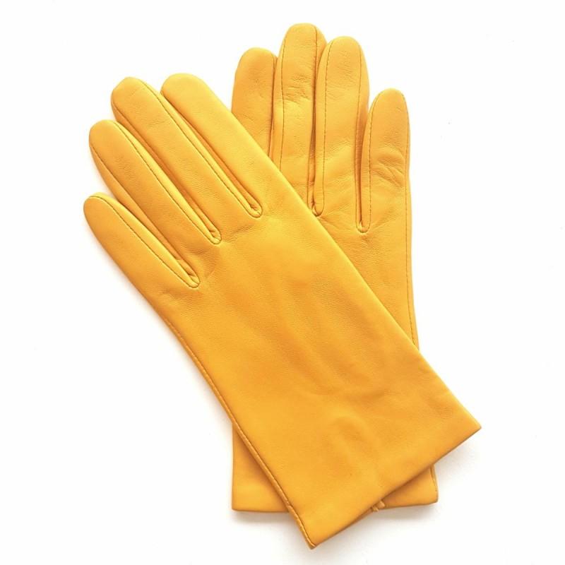 gants en cuir d 39 agneau jaune capucine doubl soie. Black Bedroom Furniture Sets. Home Design Ideas