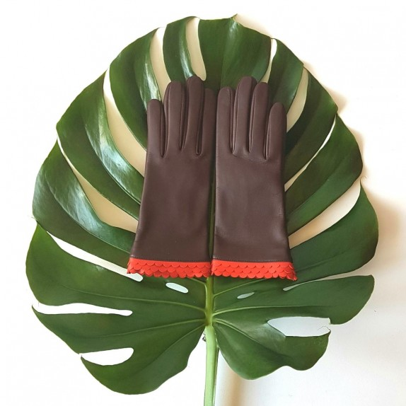 "Leather gloves of lamb dark red, nasturtium ""SAYURI""."