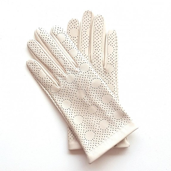 "Leather gloves of lamb off-white ""CARMELINA""."