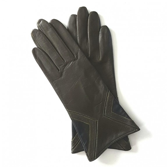 "Leather gloves of lamb khaki and black ""ISOCELE""."