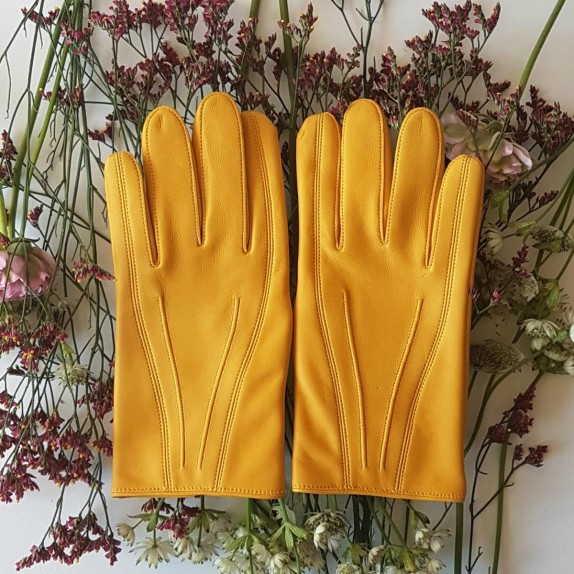 "Leather gloves of lamb yellow ""STEEVE""."