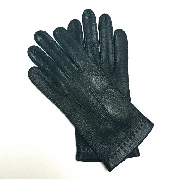 "Leather gloves of peccary black "" PATT""."