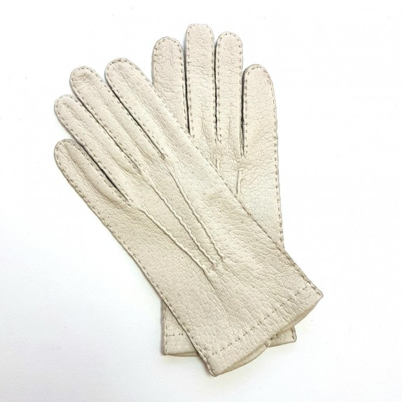 "Leather gloves of peccary otmeal "" PATT""."