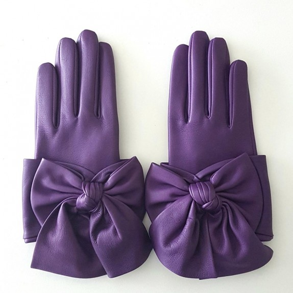 "Leather gloves of lamb amethyst ""PALOMA."