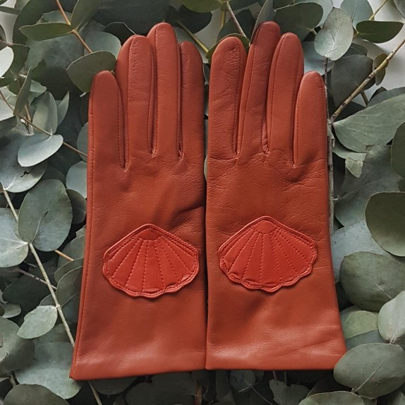 "Leather gloves of lamb cognac chilly "" CONCHA""."