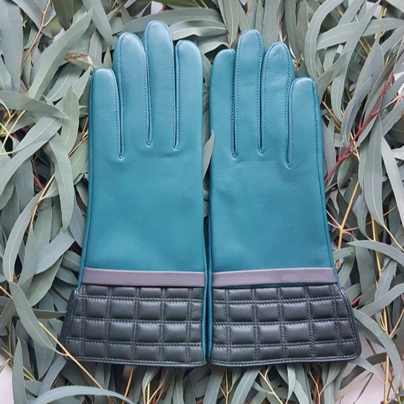 "Leather gloves of lamb petrol charcoal evergreen ""LUCE""."