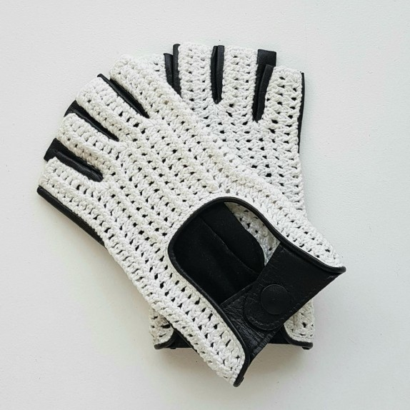 "Leather mittens of lamb and cotton hooks black and white ""MICHA""."
