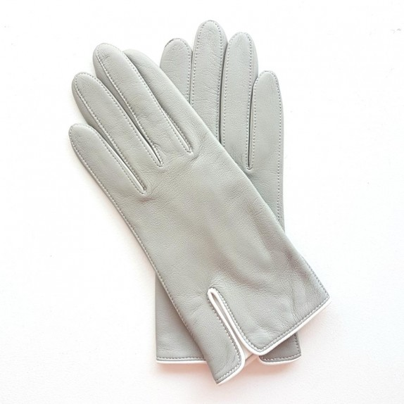 "Leather gloves of lamb dove and white ""DANA""."