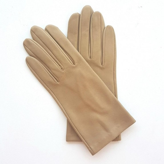 """Leather gloves of lamb lime """"CAPUCINE""""."""