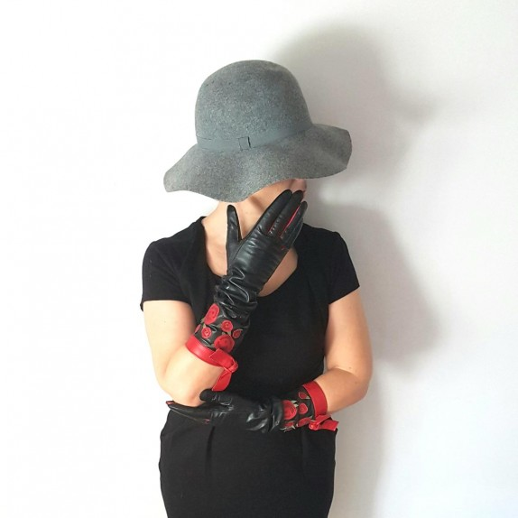 "Leather gloves of lamb black and red ""MACHA""""."