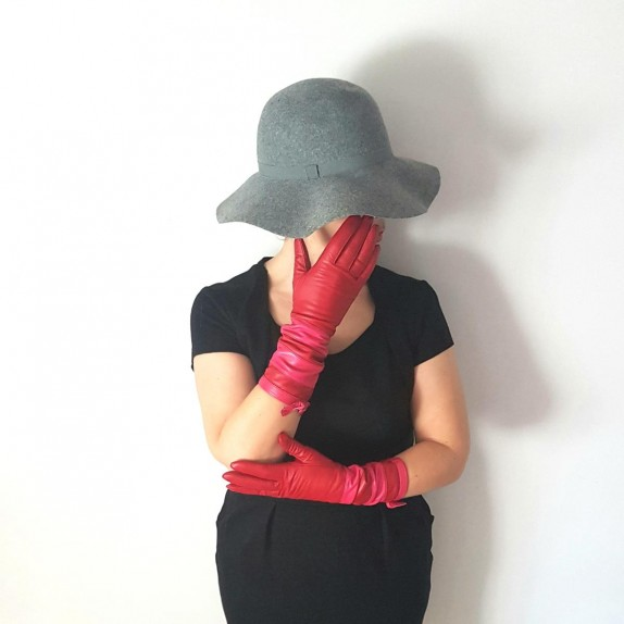 "Leather gloves of lamb red and fuchsia ""NATRICIA BIS"""