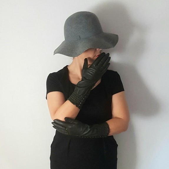 "Leather gloves of lamb khaki ""JACQUELINE""."