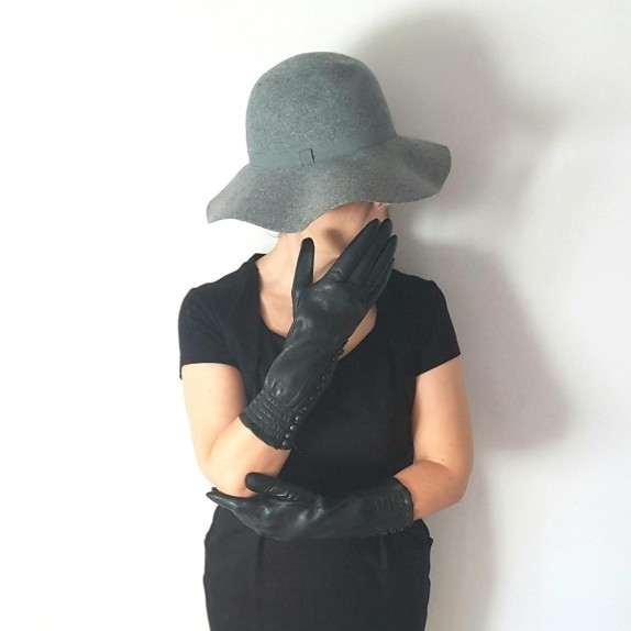 "Leather gloves of lamb black ""JACQUELINE""."