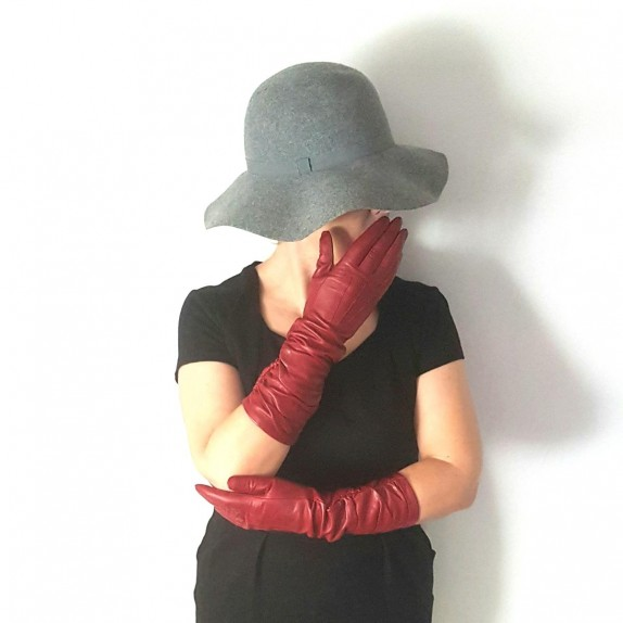 "Leather gloves of lamb red ""ELISABETH""."